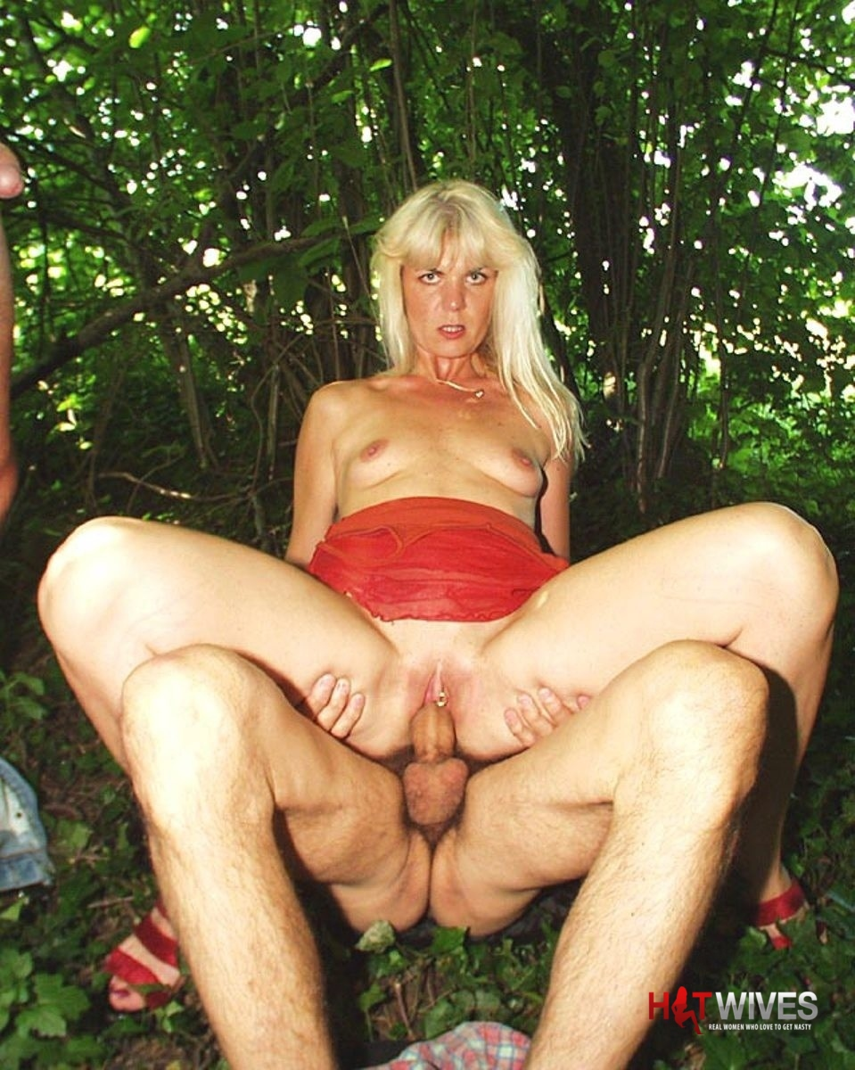 slut_outdoor_18.jpg